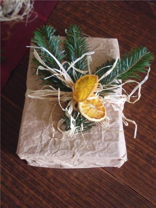 regalo-con-arance-e-pino
